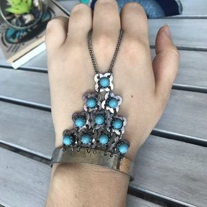 Jewelry - Blue hand and finger bracelet
